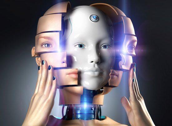 na zdjęciu jest portret pięknej kobiety zdejmującej twarz, pod która pojawia sie głowa androida