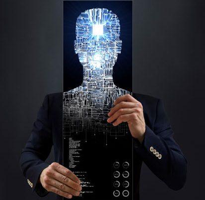 na zdjęciu meżczyzna w garniturze trzyma swoją sylwetke wypełnioną obwodami drukowanymi