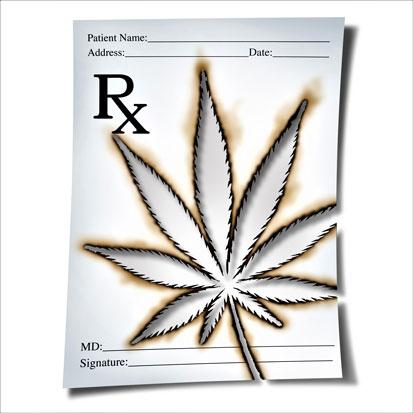 na zdjęciu jest recepta z wypalonym symbolem liścia marihuany