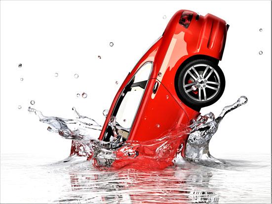 na zdjęciu jest samochód wpadający do wody