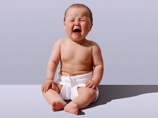 na zdjęciu płaczący bobas