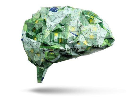 mózg zrobiony z banknotów o wartosci 100 euro
